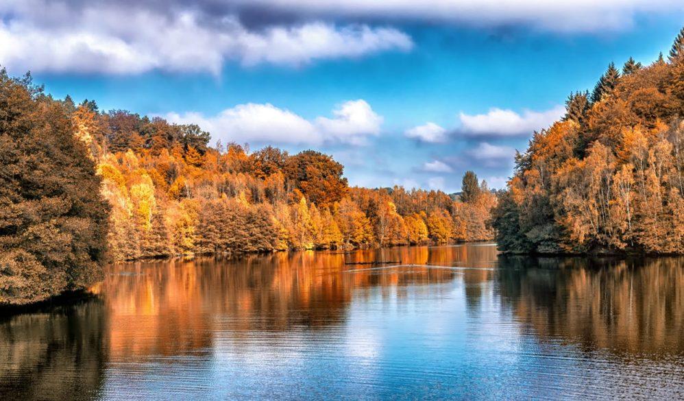 stillness autumn beauty nature scene